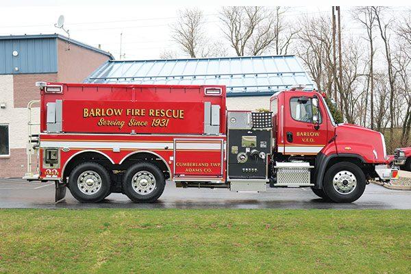 BARLOW VOLUNTEER FIRE COMPANY Pierce Dryside Tanker