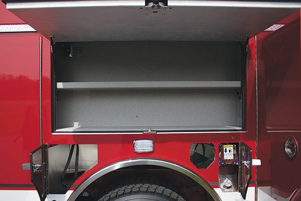 33049-compartment3