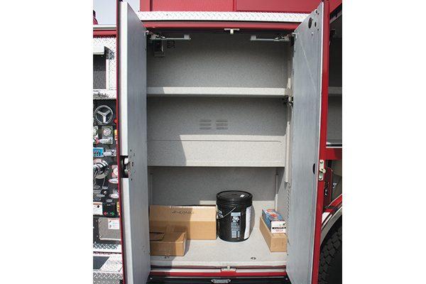 33049-compartment4
