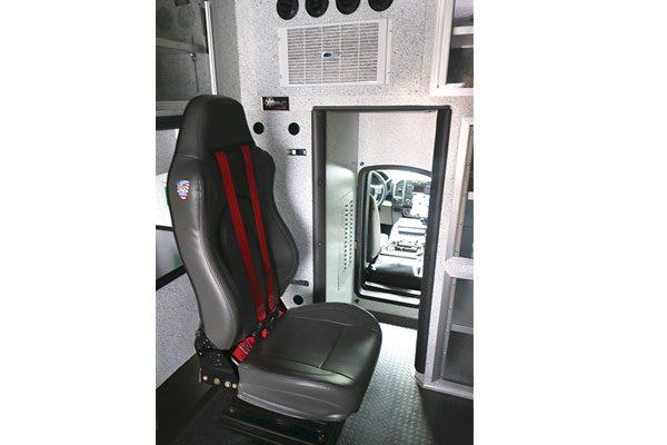 B07890-interior4