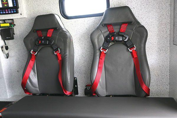 B07890-seats