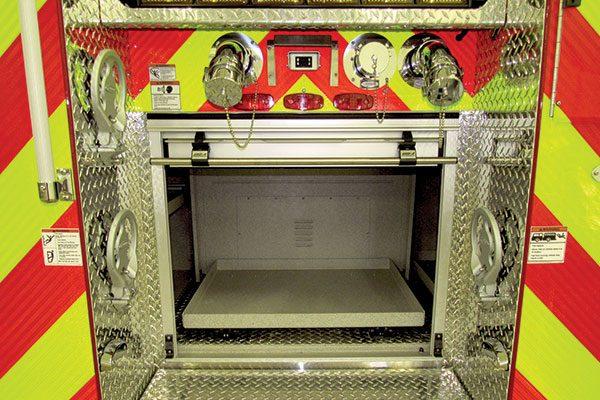 32684-rear-compartment