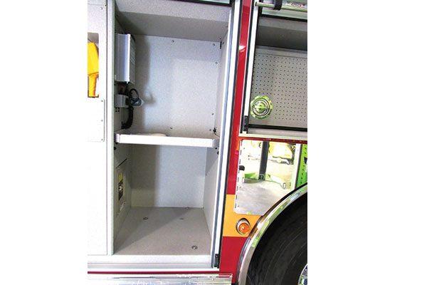 33283-compartment1