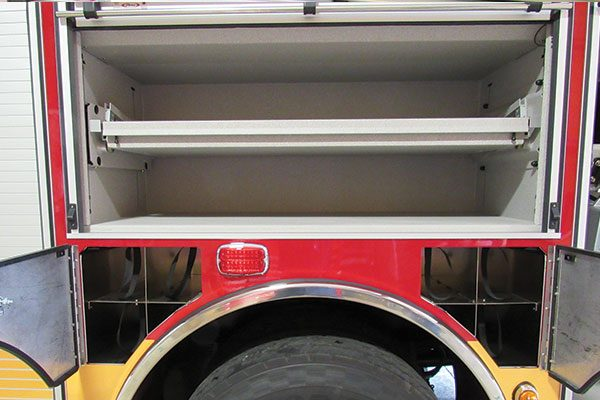 33283-compartment3