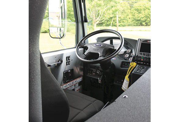 33284-interior3