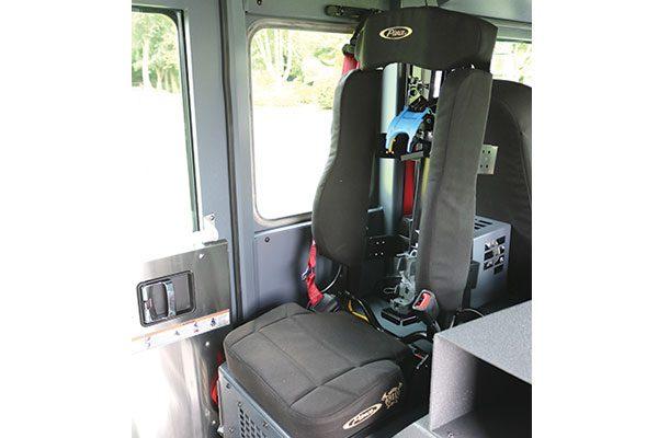 33284-seat2