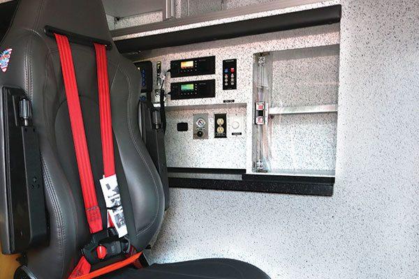B07929-30-interior5