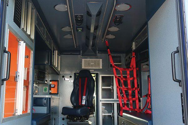 B08028-rear-open2