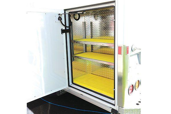 G18P-104-compartment2