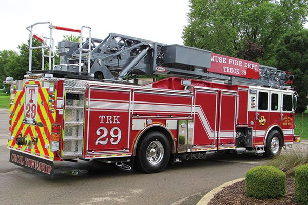 CECIL TOWNSHIP VOLUNTEER FIRE CO. Pierce Enforcer Quint PUC 107' Ascendant Ladder