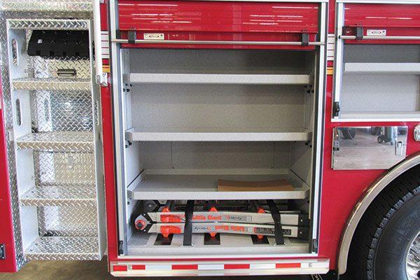 33156-compartment2