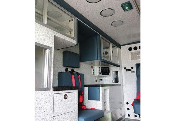 B08009-interior3