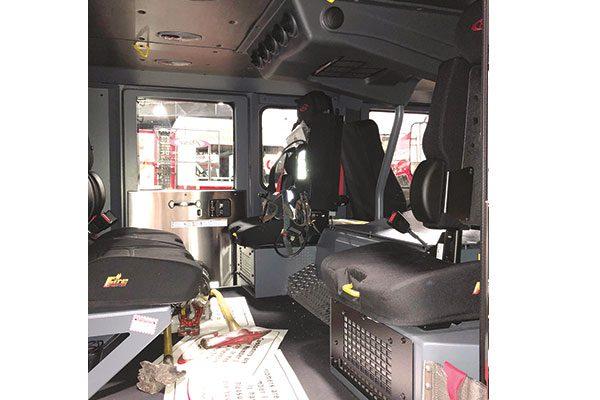 33412-interior3
