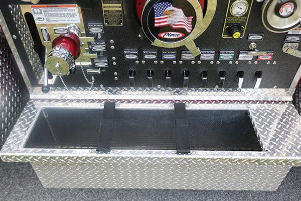 33563-panel2-tray