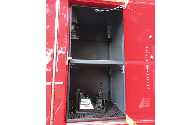 33473-compartment1