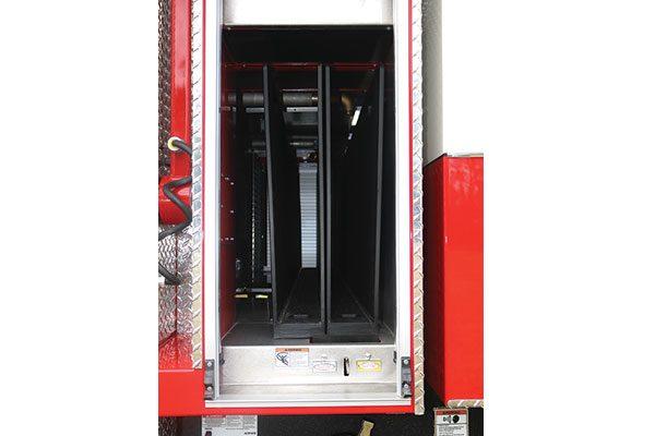 33474-right-compartment1