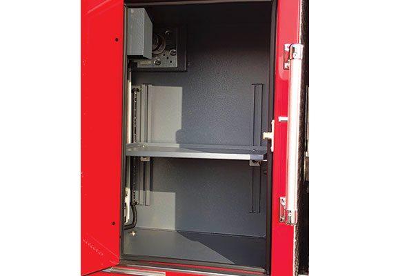 33649-compartment9