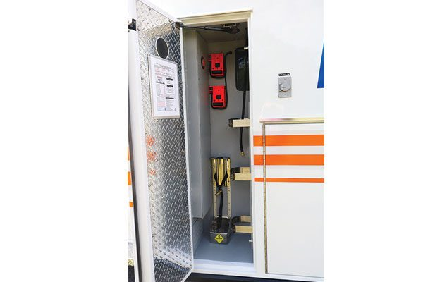 FPG12750-02-compartment