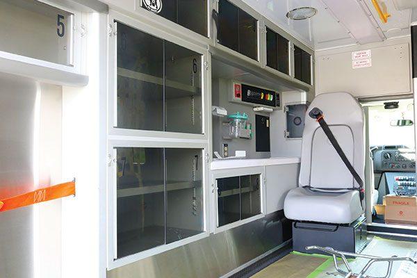 FPG12750-interior1