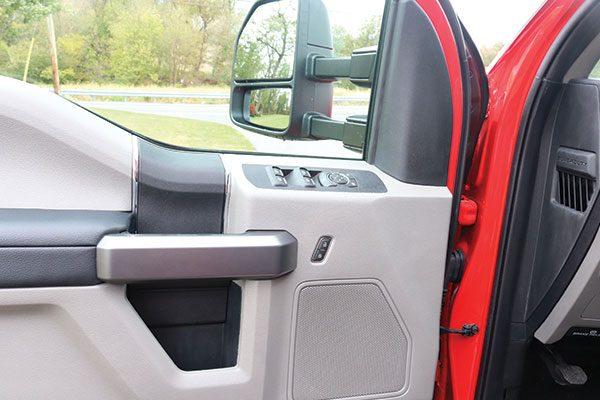 b08024-inside-door