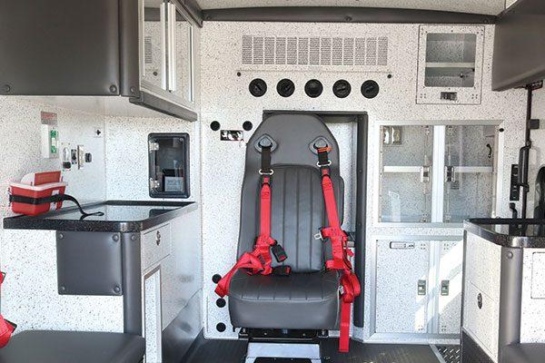 b08024-interior1