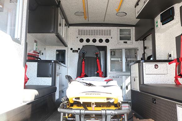 b08024-interior4
