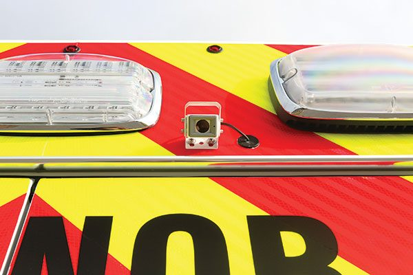 B07995-rear-camera