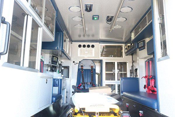 B08013-interior1