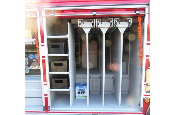 33187-compartment2