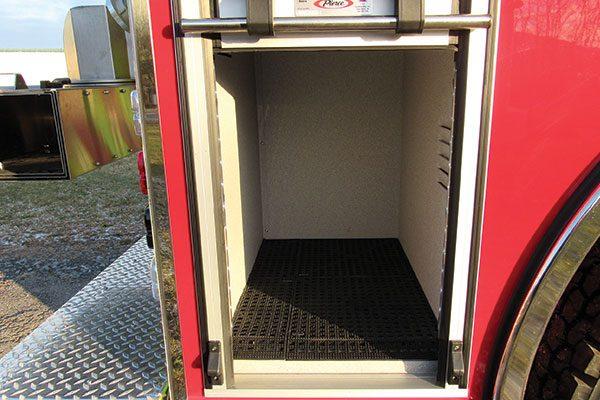 33293-compartment2