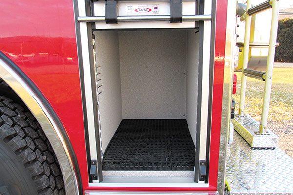 33293-compartment3
