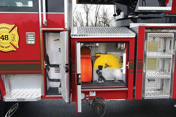 33308-left-compartment5