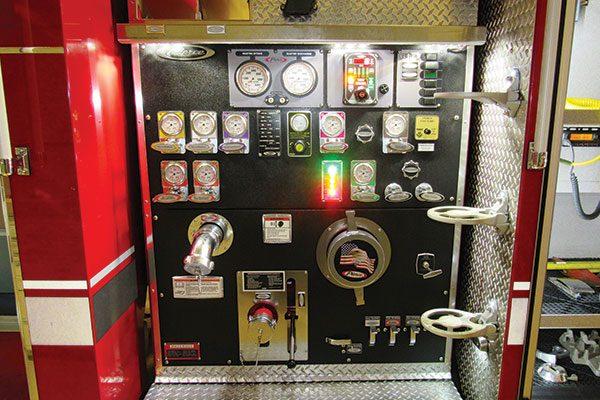 HYDE FIRE CO LAWRENCE TWP Pierce Saber Pumper Tanker