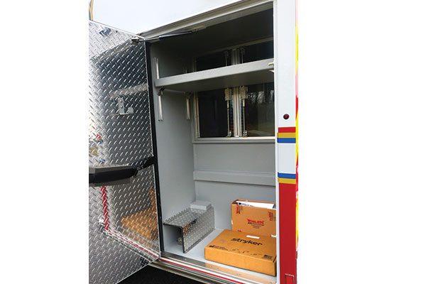 B08191-compartment1