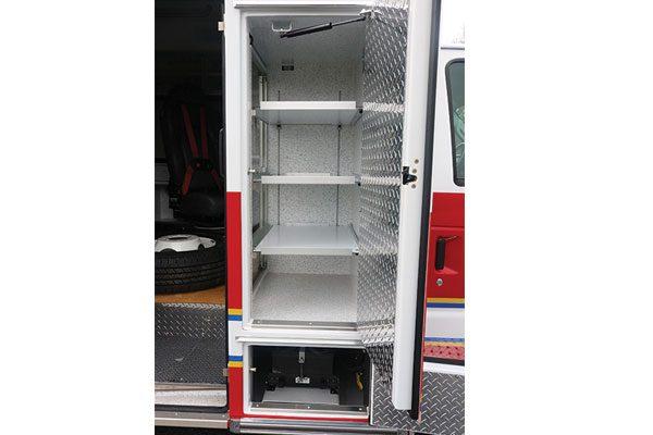 B08191-compartment3