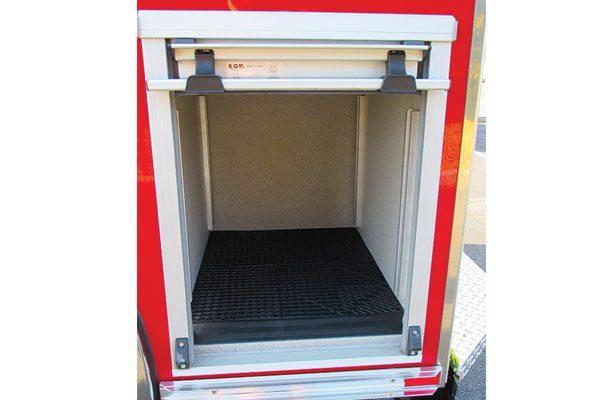 33424-compartment2