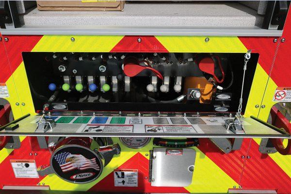 34249-rear-panel