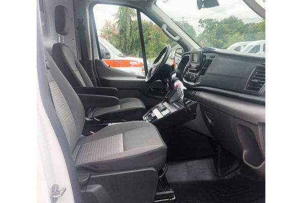F20-2607-cab-passenger