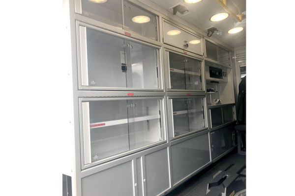 F20-2607-interior2