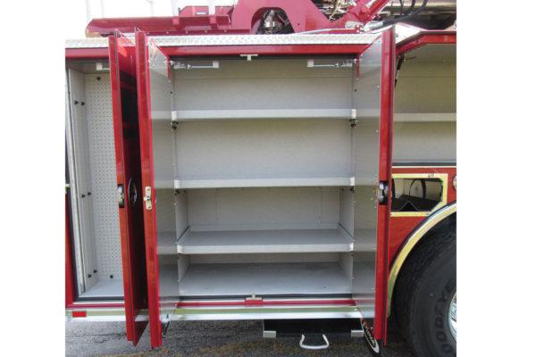 34700-compartment2