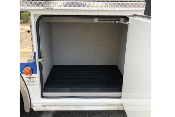 34930-compartment1