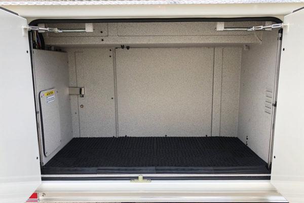 34930-compartment2