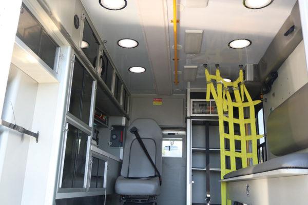 FPG13611-interior1