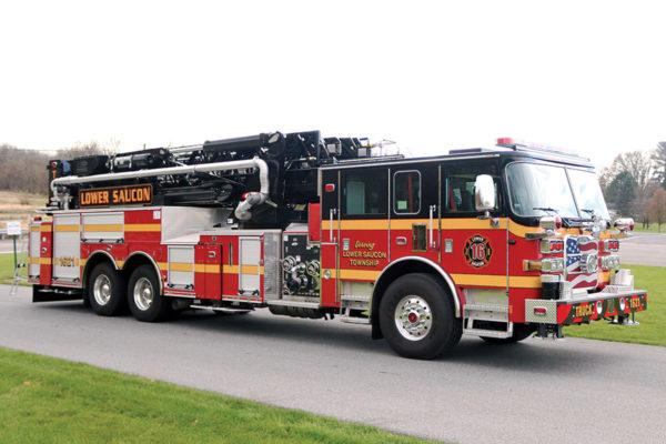LOWER SAUCON FIRE RESCUE Pierce Arrow XT 100' Mid-Mount Ascendant Tower