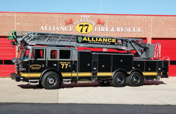 Alliance Fire and Rescue Services-Pierce Arrow XT 105' Ladder