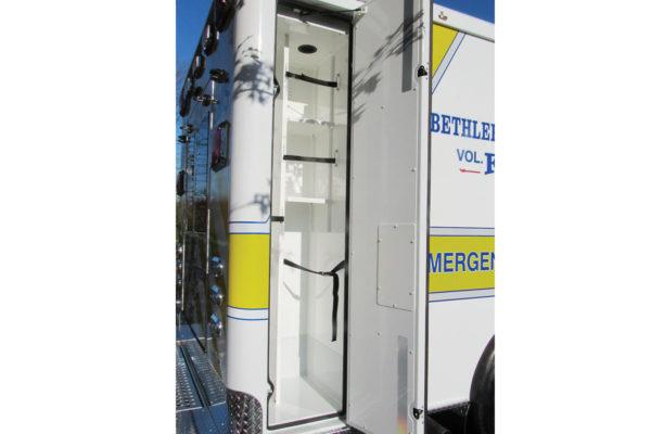 CCL-F19C-20055-right-compartment1