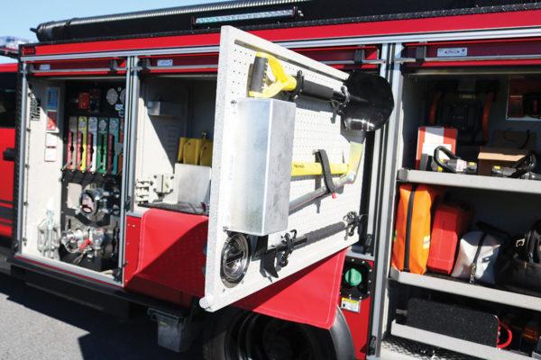 34064-left-compartments1