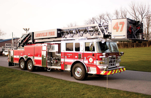 LIONVILLE FIRE COMPANY Pierce Arrow XT 100' Rear Mount Aerial Platform