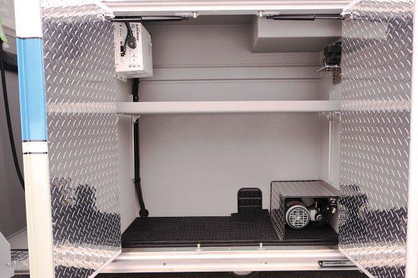 08536-left-compartment1