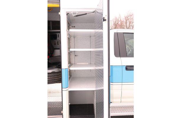 08536-right-compartment1
